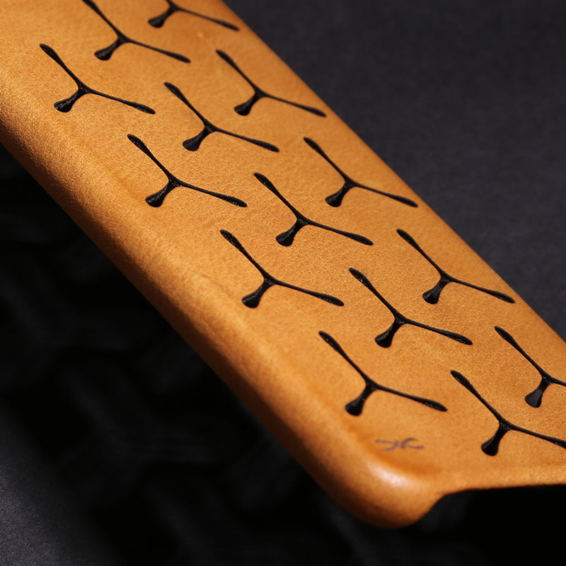 imágenes para D-parque vintage caja del cuero genuino para el iphone 7 plus 5.5 pulgadas ultra thin hollow out back cover para iphone 7 plus caso