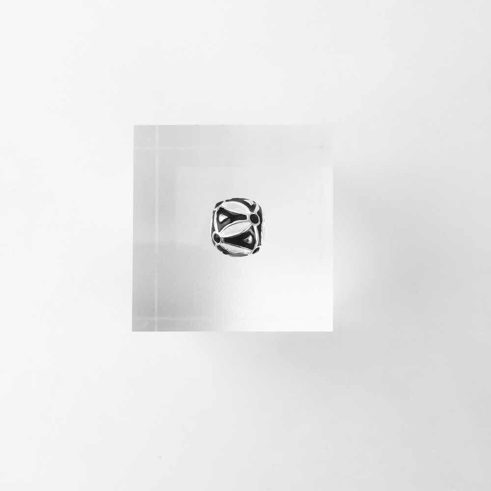 DIY بها بنفسك الخرز Ethno الأسود Charm 5 مللي متر حفرة ، 2018 جديد موضة الفضة والمجوهرات العرقية هدية للنساء الرجال صالح أساور قلادة المختنق