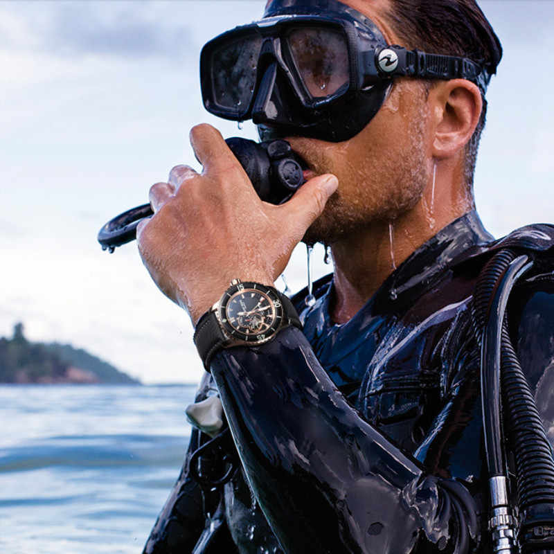 REEF TIGER/RT Brand Automatic Mechanical Watches Men Sport Submersible 200 M Diving Waterproof Watch Relogio Masculino RGA3039