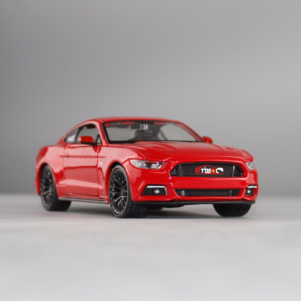 2017 Hot Sale Maisto 1/24 Alloy Car Model Mustang GT Diecast Car Model Toy for Collection/Toys Gift hot sale ford mustang police 1 18 welly s281 original alloy car model toy matte black fast