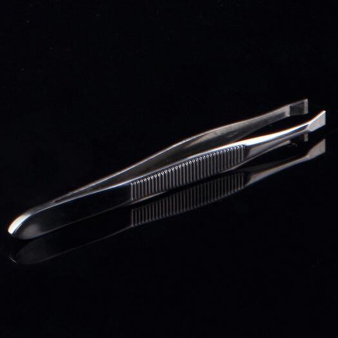 1Pcs Women Eyebrow Face Nose Hair Clip Tweezer Remover Stainless Steel Tweezers Shape Tool Eyebrow Tweezers Hot Sale in Eyebrow Tweezers from Beauty Health