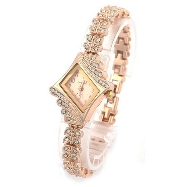 2018 Vintage Gold Woman Watches New Fashion Women Crystal Quartz Rhombus Bracele