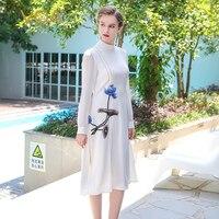 Voa Лето 2017 г. тяжелый шелк Белый платье с вышивкой в китайском стиле Стиль плюс Размеры краткое элегантный в винтажном стиле, с длинным рукав