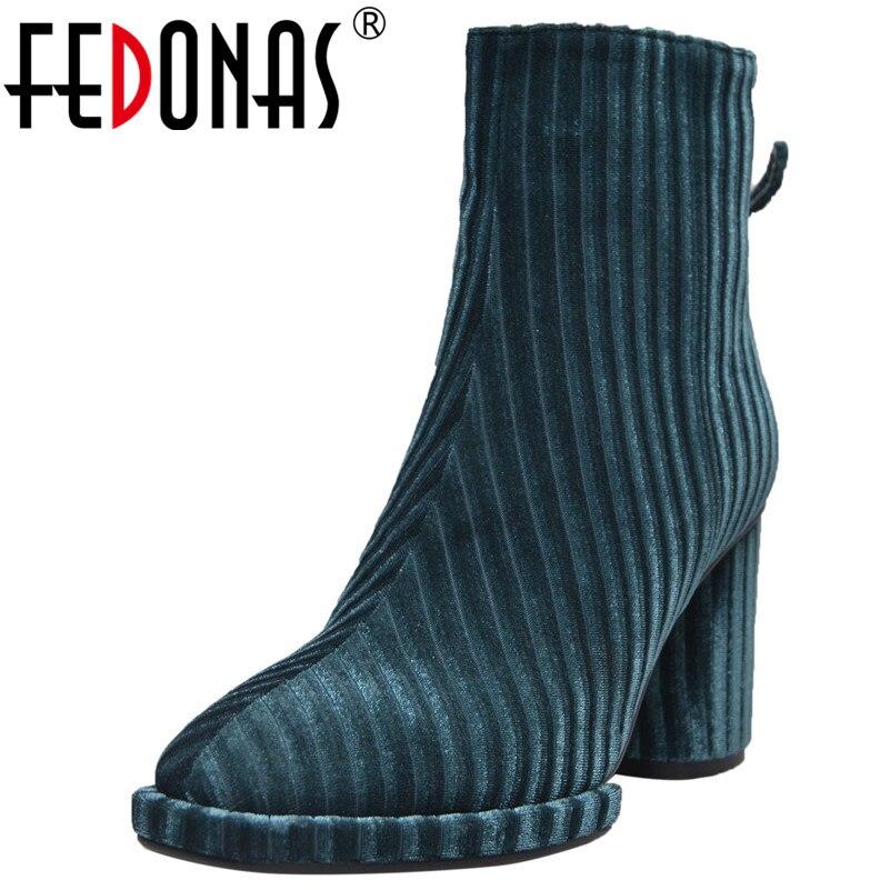 купить FEDONAS Brand Women High Heels Autumn Winter Martin Shoes Woman Retro Tassels Party Wedding Shoes Sexy Velvet Basic Boots по цене 3571.91 рублей