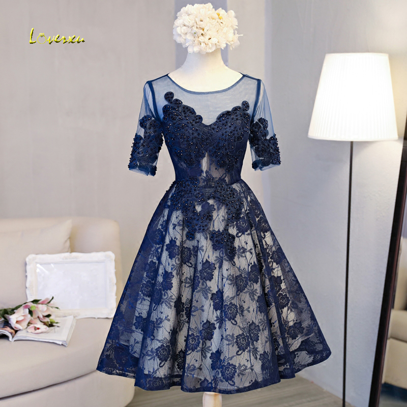 Loverxu New Arrival Scoop Neck Lace Up A-Line Lace   Cocktail     Dresses   2019 Appliques Half Sleeve Beaded Short Party Gown Plus Size