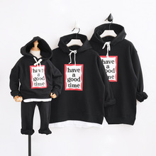 Family Matching Outfits Father Son Mother Daughter Hooded Sweatshirts Warm Fleece Letters Printed Family Winter Hoodies Sweaters