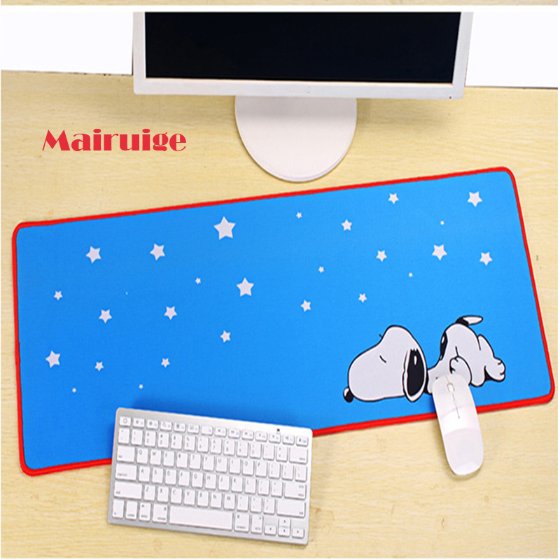 Custom Oversize Blue Background Animal Puppy Game Mouse Mat, Lock Edge Computer Keyboard Table Mat Suitable for Home Office And