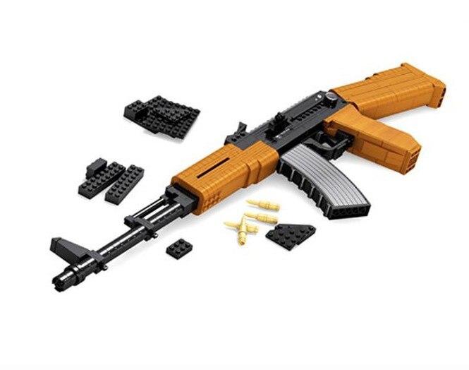 617pcs AK 47 Assault Rifle GUN Weapon Arms Model 1:1 3D Legoing Model Brick Gun Building Block Set Toy Gift for Children 300pcs swat revolver pistol power gun weapon arms model 1 1 3d diy model building blocks bricks kids toy gift