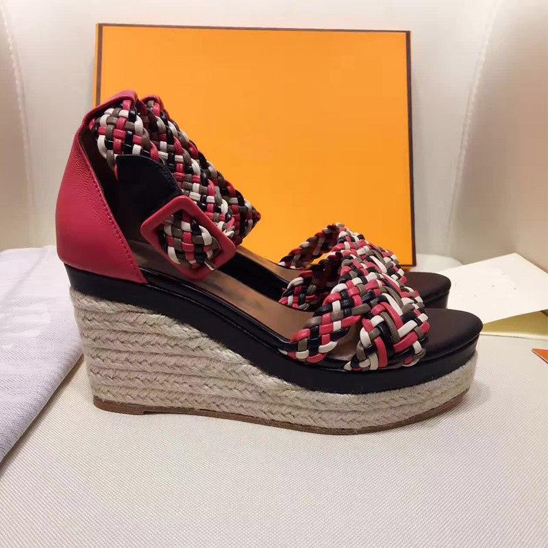 Модные женские плетеные сандалии на платформе с радугой; босоножки на танкетке с ремешком и пряжкой; Дизайнерские летние босоножки с веревкой; женская обувь; 2019 - 2