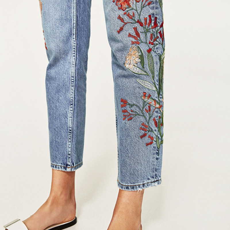 Vintage flower embroidery jeans female Pockets straight jeans women bottom Light blue casual pants capris summer 2017 vintage flower embroidery jeans female pockets straight jeans women bottom blue casual pants capris summer p3748