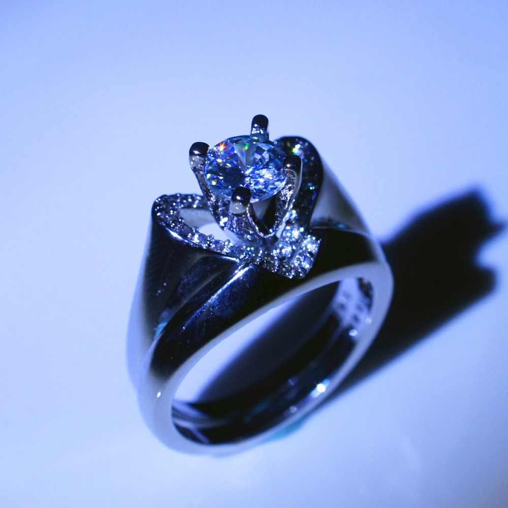หญิงคริสตัลสีขาวงานแต่งงานชุดแหวนหรูหราเงิน 925 หัวใจหมั้นแหวนเจ้าสาวงานแต่งงานแหวน
