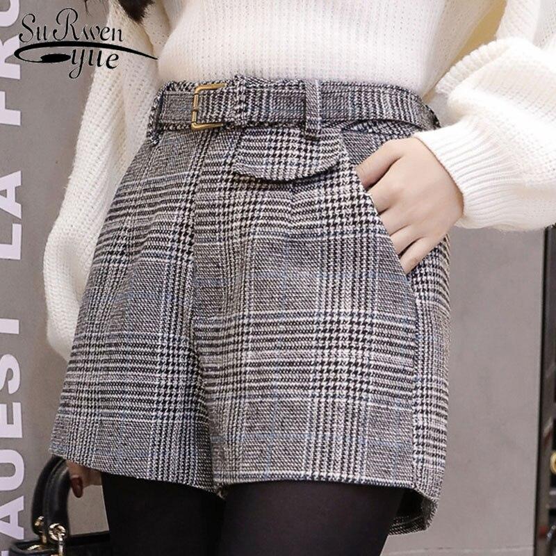 2018 new winter fashion a word wide leg vintage high waist   shorts   casual large size plaid wool   shorts   women   shorts   C934 30