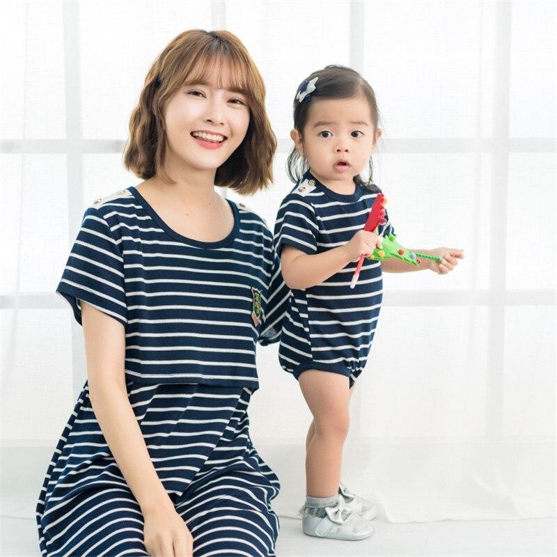 2018 nouveau été bébé barboteuses + maman robes Parent et enfant ensemble de tissu coréen décontracté genou-longueur a-ligne rayé robe blanc, bleu couleur