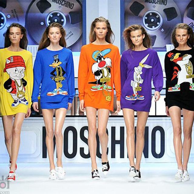 Envío de La Nueva Manera 2017 Otoño Invierno Las Mujeres de Gran Tamaño de Dibujos Animados Bugs Bunny Daffy Duck Larga Suéteres Suéteres Vestidos