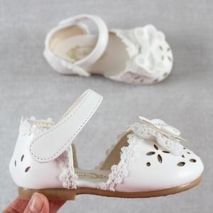 Image 4 - 최신 여름 키즈 신발 2020 패션 가죽 소녀를위한 달콤한 어린이 샌들 유아 아기 통기성 Hoolow Out Bow Shoes