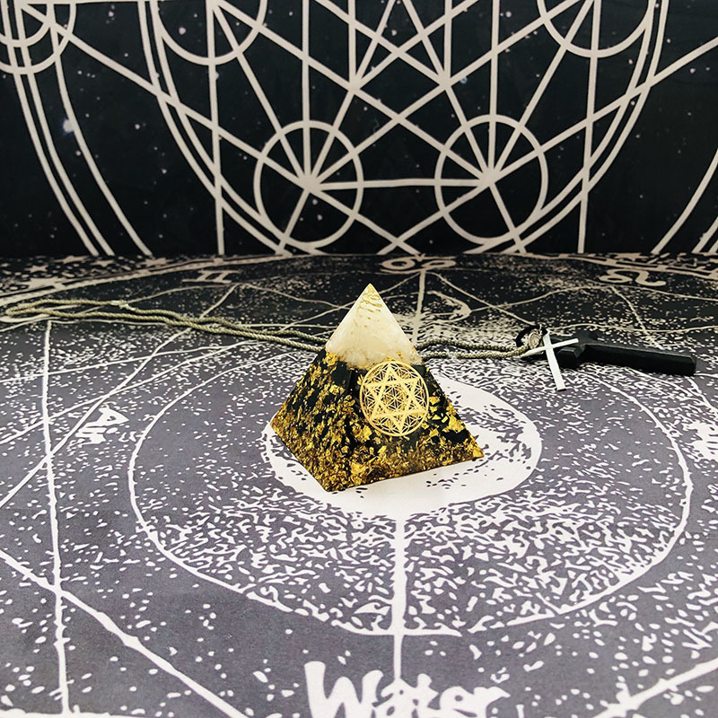 HTB1mepvXA9E3KVjSZFrq6y0UVXa1 - AURAREIKI Orgonite Pyramid Ajna Chakra Raziel Natural White Crystal Obsidian Expel Evil Forces Resin Pyramid Crafts Jewelry