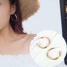 S925 Silver Needle Minimal Semicircle Twisted Gold Large Circle Ins Earrings Feminine Korean Personality Simple Earrings