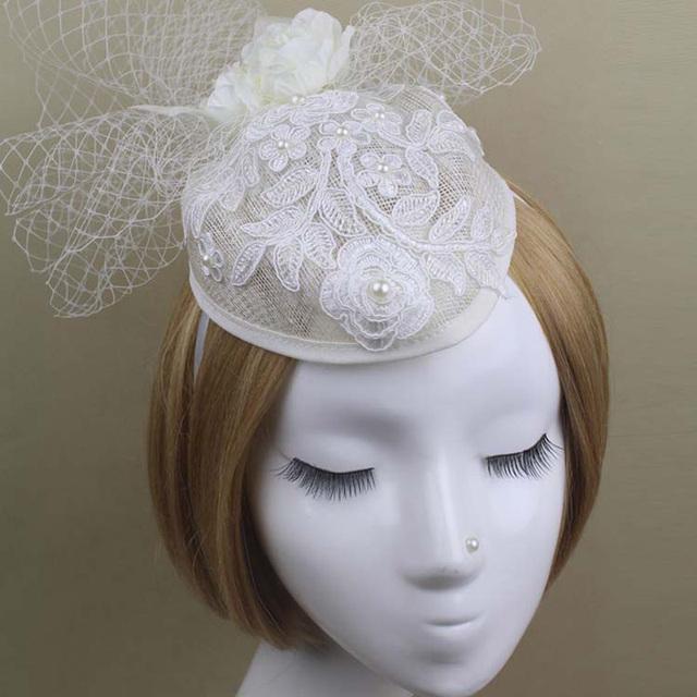 Mais novo Floral Chapéus Do Casamento 2017 Pérolas Flor Frisado Acessórios Para o Cabelo de Noiva Applique Tulle Linho chapeau mariage para Noivas