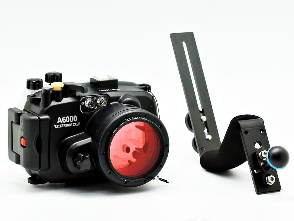 Meikon Underwater Camera Housing For Sony A6000 16 50mm 40m 130ft diving handle 67mm Red diving