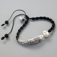 Wholesale Black Agate Natural Pearl With Silver Luck Fish Charm Bracelet For Women Yoga Meditation Wrist