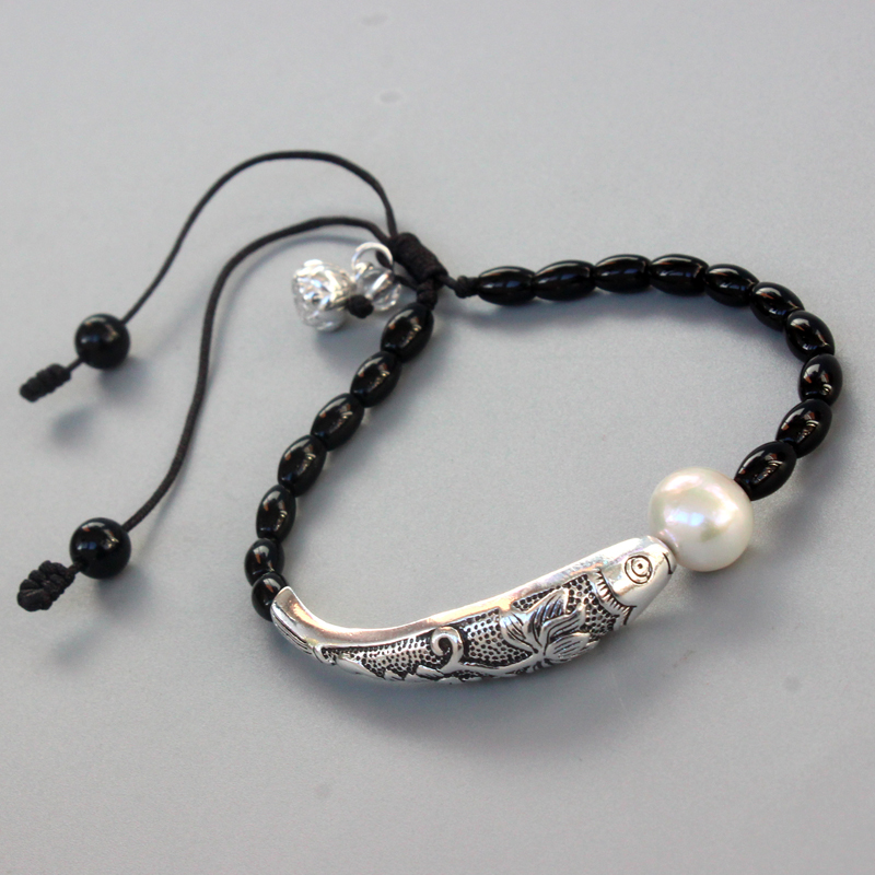 Großhandel Schwarz Stein Natürliche Perle Mit Silber Glück Fisch Charme Armband Für Frauen Yoga Meditation Handgelenk Schmuck Handarbeit Einzigartige