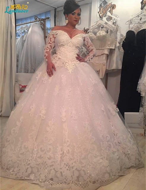 Gorgeous Sheer Ball Gown Wedding Dresses 2016 Puffy Lace Beaded V Neck Applique Long Sleeve Arab