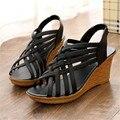 Женская обувь весна и лето мягкое дно Мама обувь удобные среднего возраста обувь толстым дном с наклона сандалии XL09
