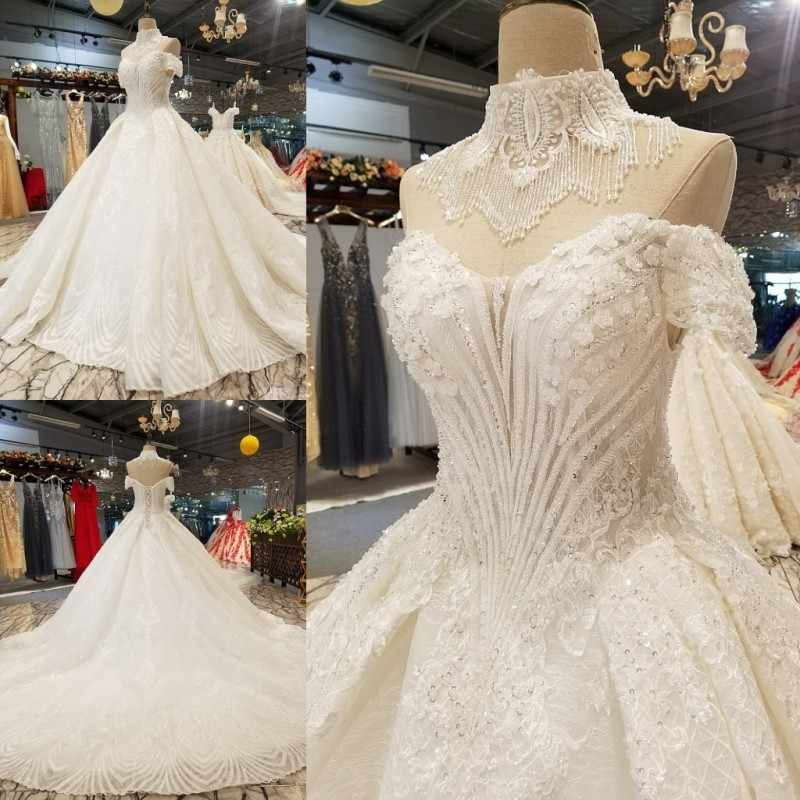 Elegant Halter Tassel Lace Wedding Dress 2018 Vintage Off Shoulder Royal Train Ball Gowns Bridal Gown Robe De Mariee Best Sell