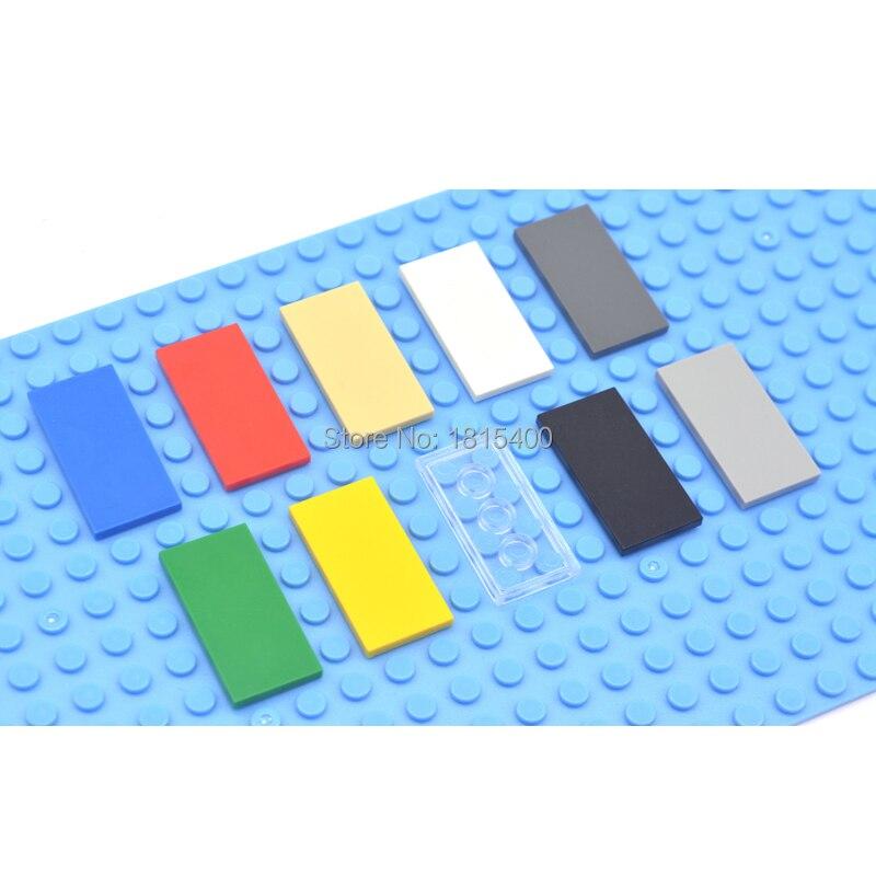 Éclairer les briques de construction de blocs jouets Super Heros briques compatibles avec les carreaux de legos 2x4 jouets de bricolage en plastique plat pour les enfants 50pcs (lot de 50)