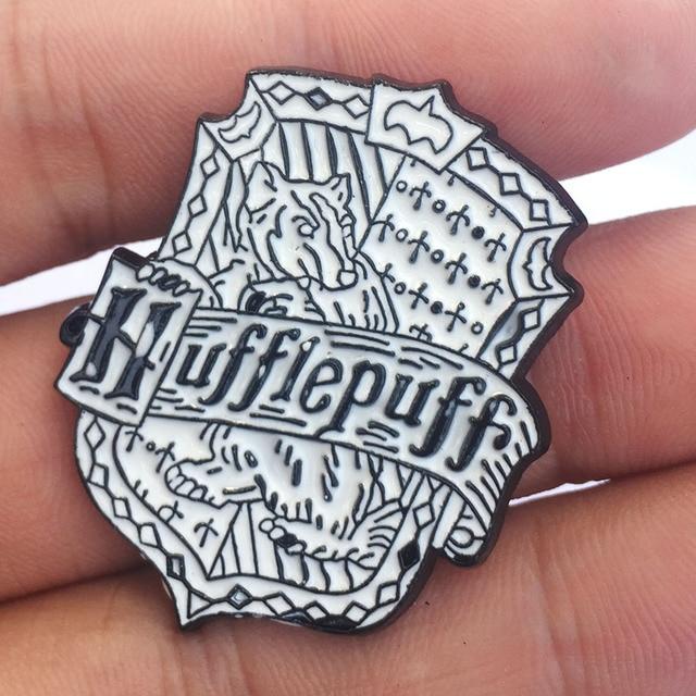 Брошка Гарри Поттер черно-белая 3