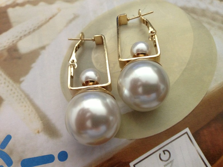 Gold Geometric Double Pearls Dangle Earrings