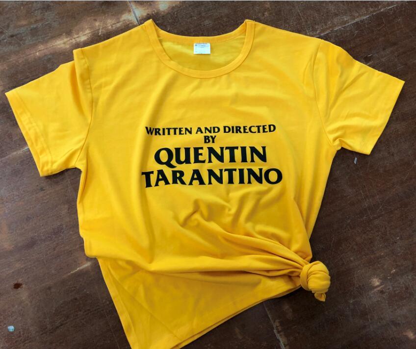 escrito-e-dirigido-por-quentin-font-b-tarantino-b-font-amarelo-roupas-t-shirt-ocasional-grafico-tumblr-tee-camiseta-slogan-roupas-A-moda-na-moda