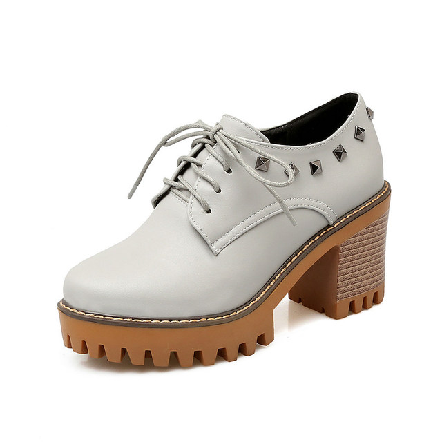 QUTAA Stiilsed naiste kingad