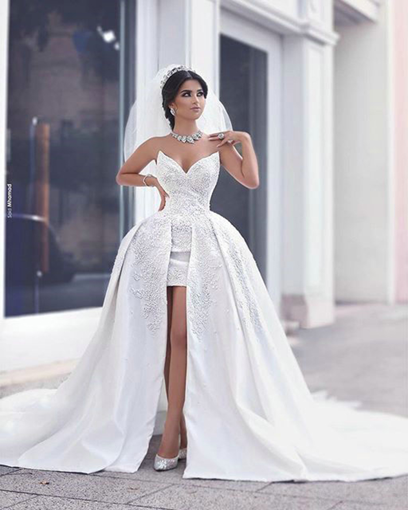 Sexy short beach wedding dresses with detachable train for Good wedding dresses for short brides