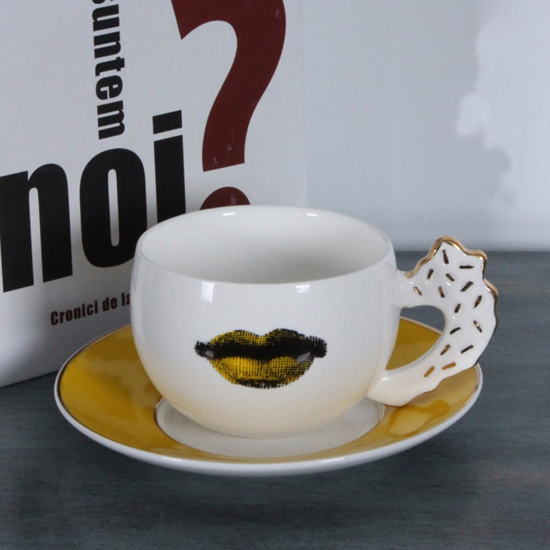 Whole European Fornasetti Cup Golden Coffee Lace Dish Louisa Bookface Wedding Birthday Gift Tea Gl Home Decoration In Figurines Miniatures