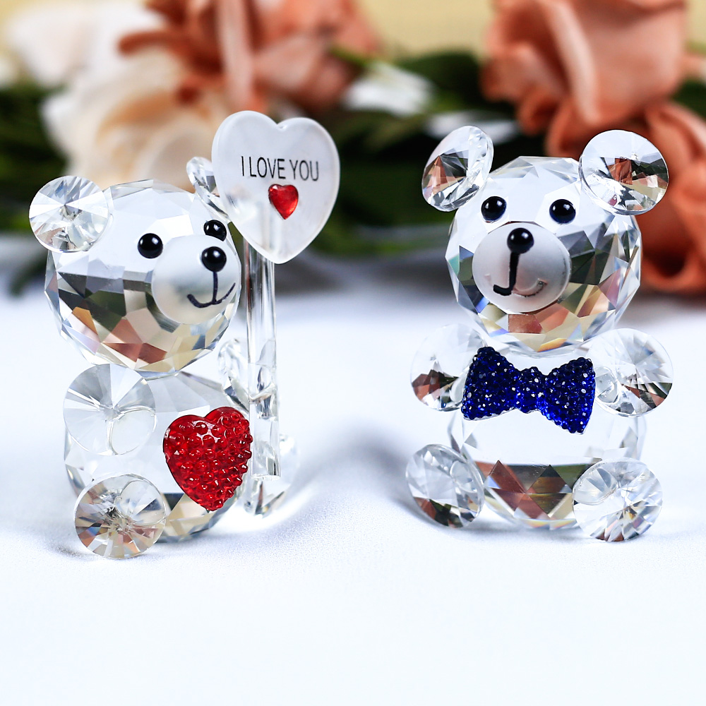 1 Piece Cute Bear Crystal Figurine With A Heart Shaped Ornament DIY Glass Animal Miniature Love Romantic Gifts Home Decor