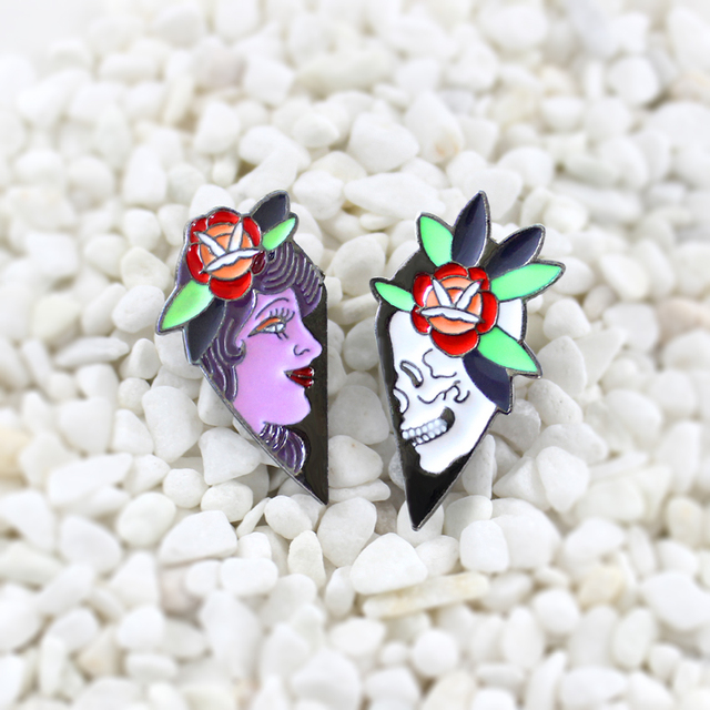 Rosa Queen e Del Cranio spilla Due pezzi impiombato in una forma di cuore UN paio di persone che è caduto in amore smalto pins Personalità idea