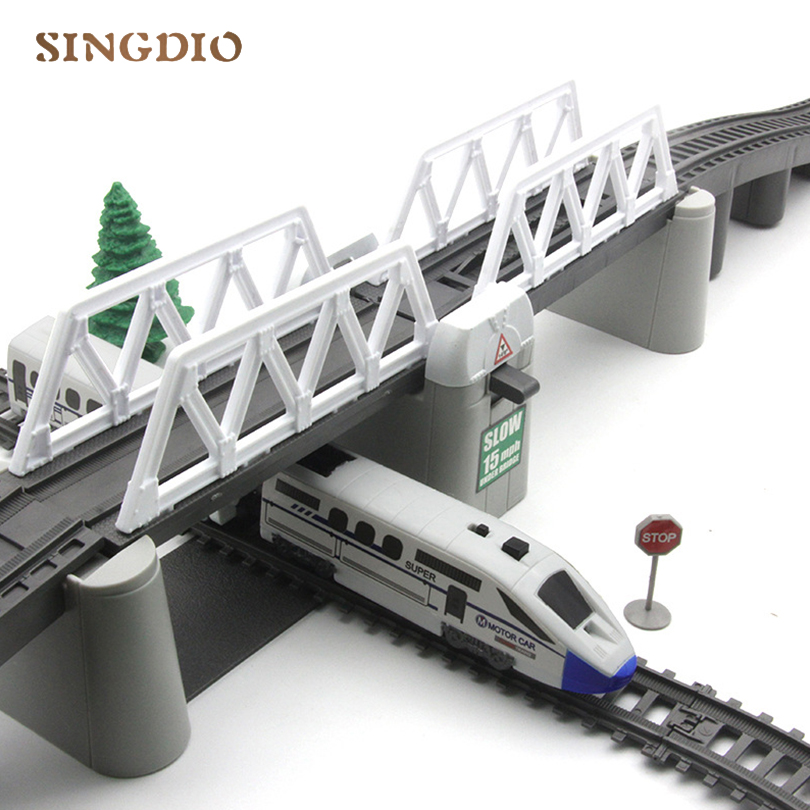 Jouet électrique Train voie haute voie enfants Train modèle jouet Train pour enfants cadeau noël longue piste ensemble avec des jouets pour enfants légers