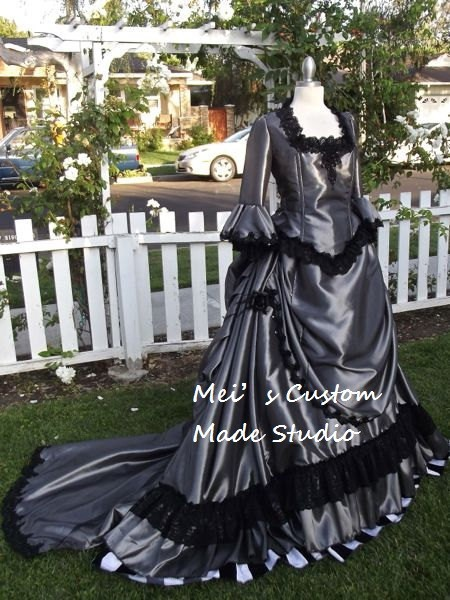18th century Gothic Victorian Steampunk Bustle Gown Wedding Party CostumeHoliday DressBall