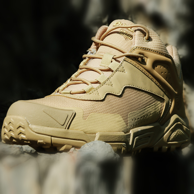 Men s Lightweight Waterproof Camouflage Boots Army Fans Outdoor Training Climbing Hunting Camp Non slip Military
