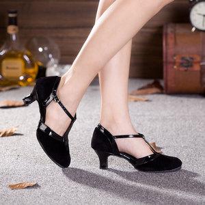 Image 4 - ใหม่ผู้หญิงห้องบอลรูมปาร์ตี้เต้นรำละตินรองเท้าปิด Toe สีดำ Moderin รองเท้า Tango Salsa ประสิทธิภาพรองเท้าส้นสูง