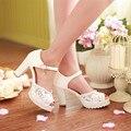 Novos 2017 sandálias plataforma para mulheres sapatos de verão calcanhar grosso sandálias das mulheres de couro macio sapatos de salto alto plataforma peep toe bombas