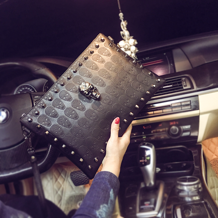 HOT Male Rivets Handbag Men Skull Clutch Envelope Handbag Casual Purse Bag for Girls Shoulder Bag Women-Bag Free Shipping