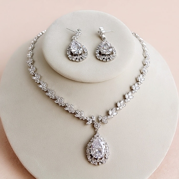 Wedding Ornaments Zirconia Crystal Jewelry Set Drop Pendant Necklace + Earrings For Bridal Jewelry Accessory Silver Plated 2018