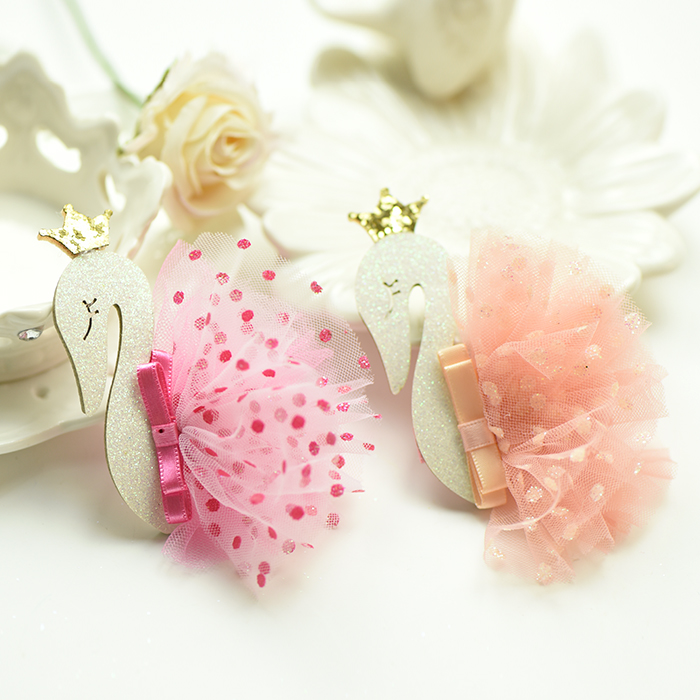 2017 New Korean Fashion Magzine Girls Hair Clips Bling White Swan Princess Flower Hairpins for Children Kids Hair Accessories He