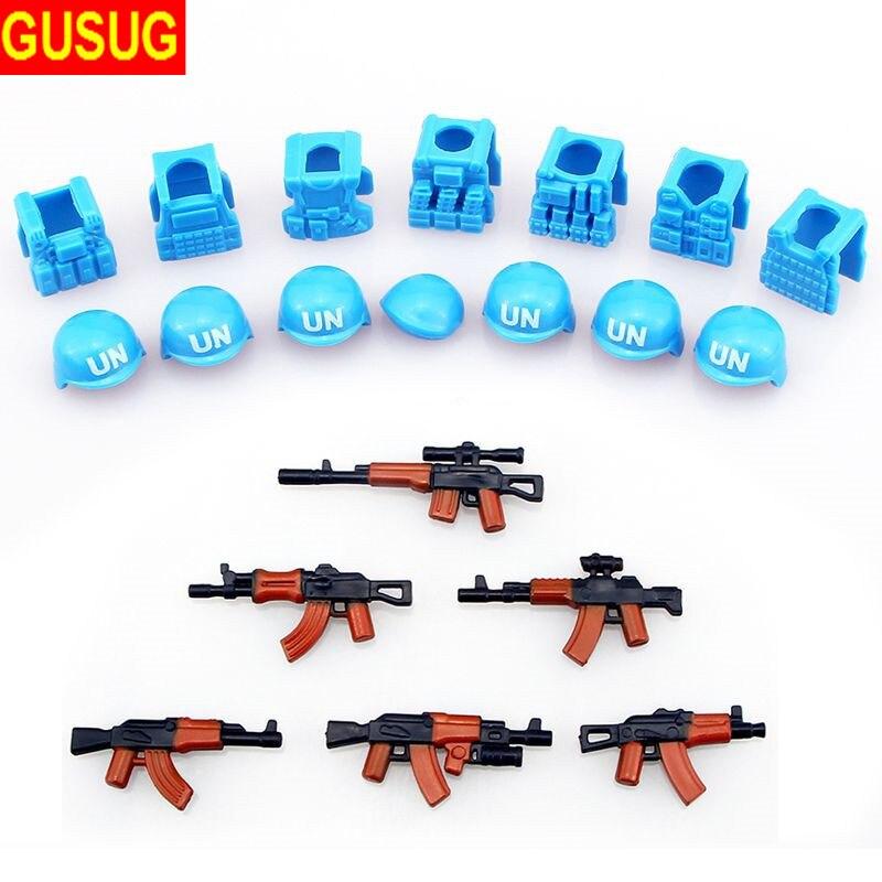 GUSUG 6 pièces pistolets + 7 pièces casque et béret UN gilet pare-balles AK armes Pack militaire armée armes sabre laser pour la Police de la ville jouets