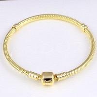 Neue 925 Sterling Silber Armband Gold Farbe Barrel Schließe Schlangenkette Grundlegende Armband Armreif Für Perle Charme DIY Pandora Schmuck