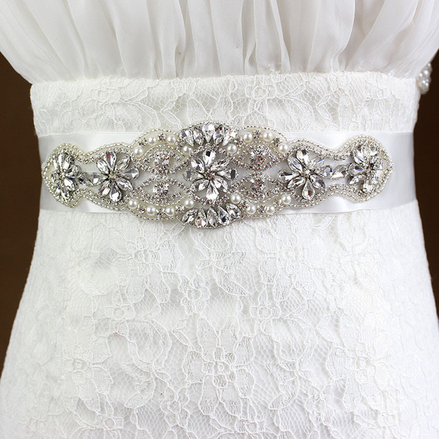 2017 New Crystal Beaded Bridal Belt with White Robbion Ball Gown Button Wedding Accessories Wedding Sashes