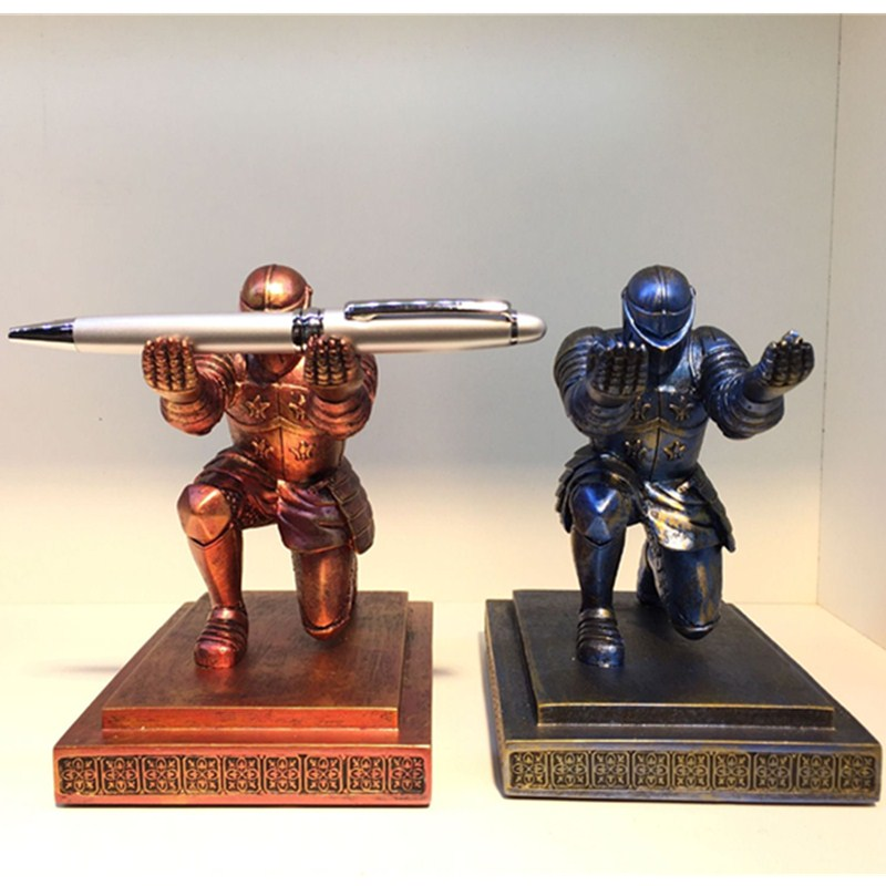 Executive Knight Pen Holder Resin Art Craft House Decoration Action Figure Collectible Model Toy L1993 knight craft book