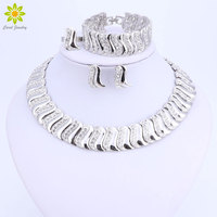 Fashion Exquisite Dubai Jewelry Set Luxury Silver Color Big Nigerian Wedding African Beads Costume Design Jewelry